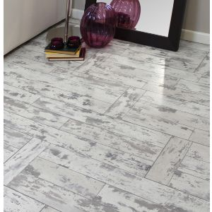 View Leggiero White Wash Oak Effect Laminate Flooring 1.72 m² Pack details