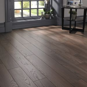 View Belcanto Napoli Oak Effect Laminate Flooring 2 m² Pack details