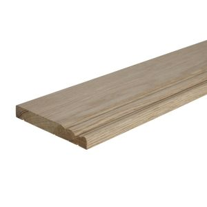 View Oak Veneer MDF Skirting (L)2400mm (W)145mm (T)18mm details