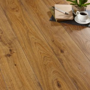 View Andante Natural Oak Effect Laminate Flooring 1.72 m² Pack details