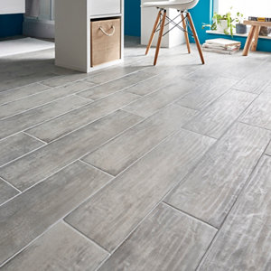 Soft patinated Grey Matt Wood effect Porcelain Floor Tile Sample