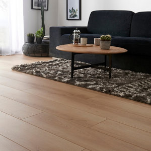 GoodHome Malton Natural Oak effect Laminate flooring  1.746m² Pack