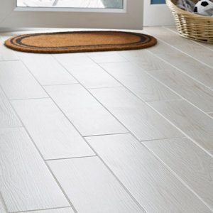 Image of Arrezo White Matt Wood effect Porcelain Floor tile Pack of 14 (L)600mm (W)150mm
