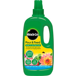 Image of Miracle Gro Pour & feed Liquid Plant feed 1L