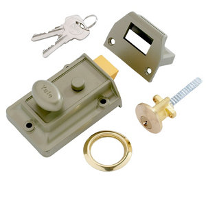 Image of Yale Brass effect LH & RH Night latch (H)66mm (W)93mm