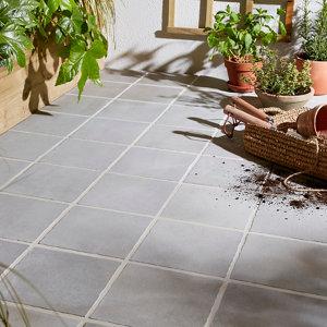 Image of Aged Grey Matt Stone effect Porcelain Outdoor Floor tile Pack of 8 (L)200mm (W)200mm