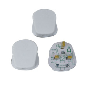 Image of B&Q 13A White Plug Pack of 3