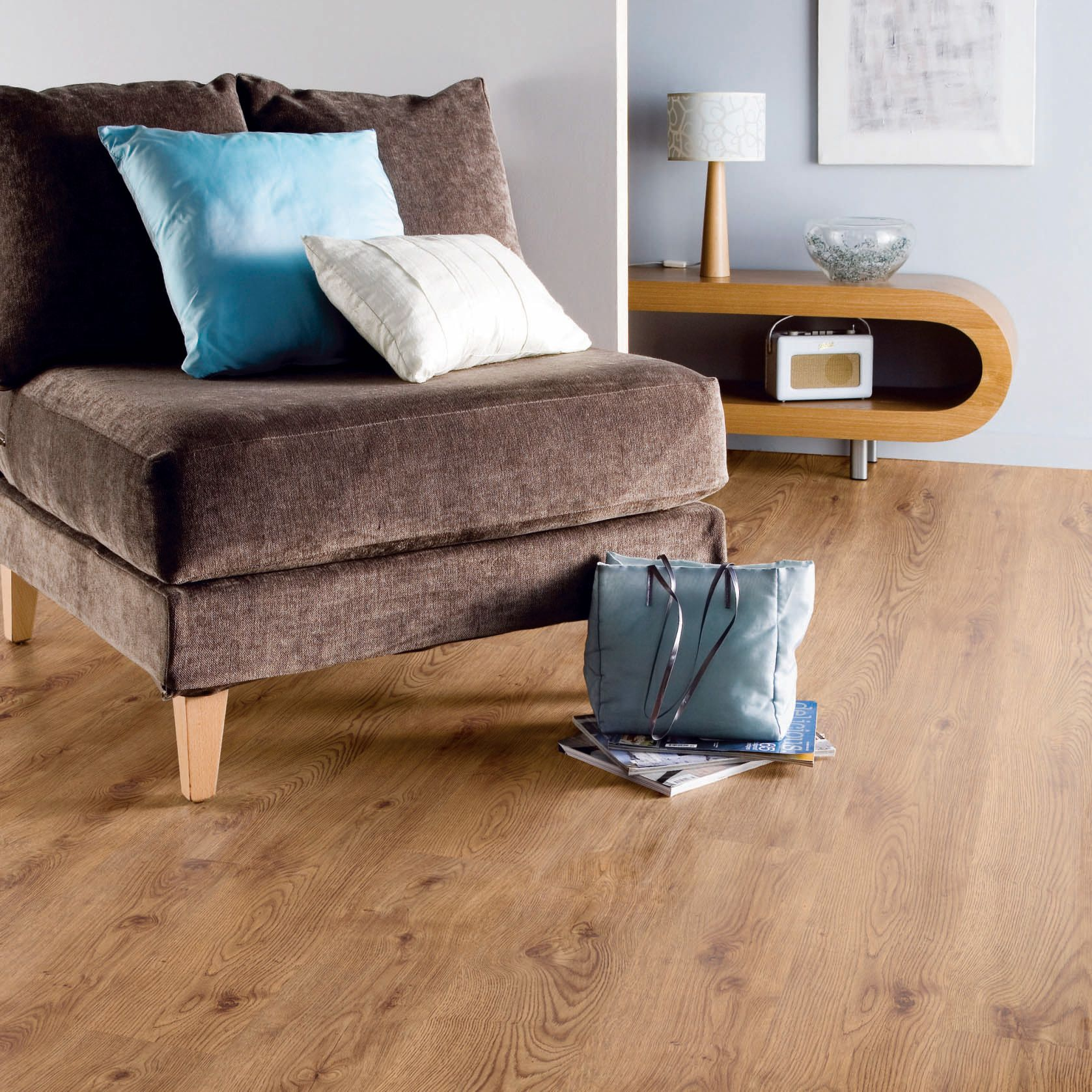 Natural Oak Plank Effect Laminate Flooring 2 5 M² Pack Departments Diy At B Q