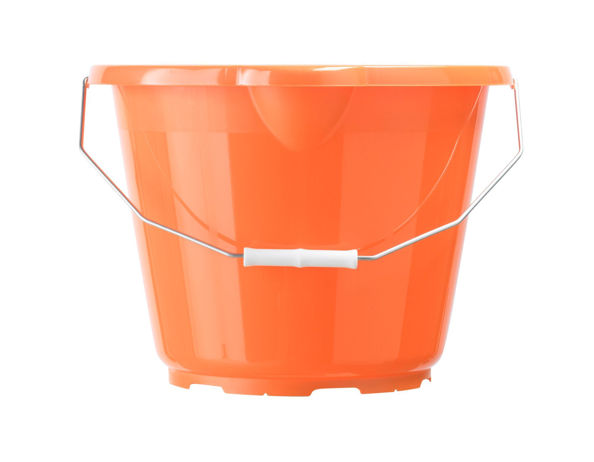 how to cut plastic bucket
