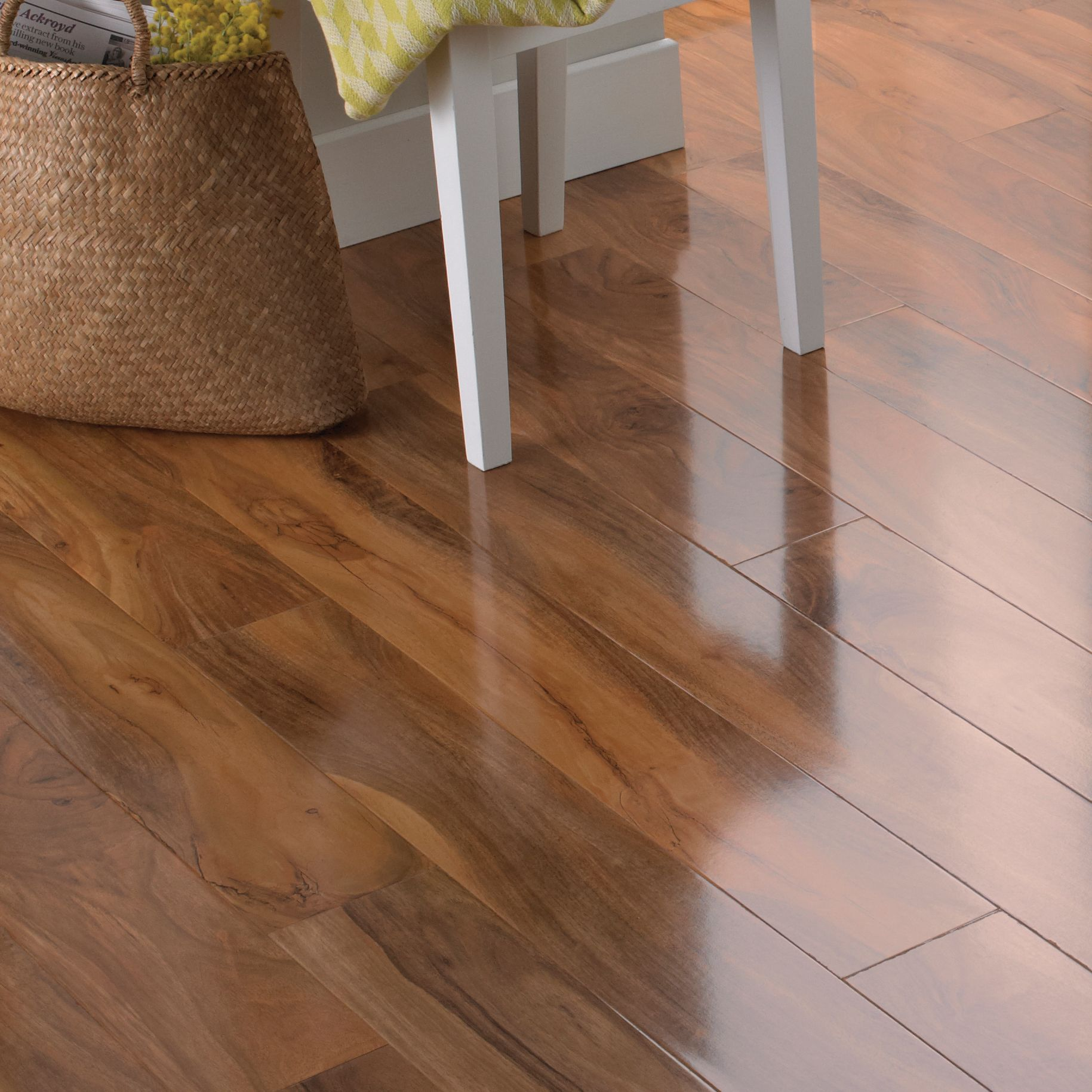 Dolce natural walnut effect laminate flooring m pack for Cheap flooring