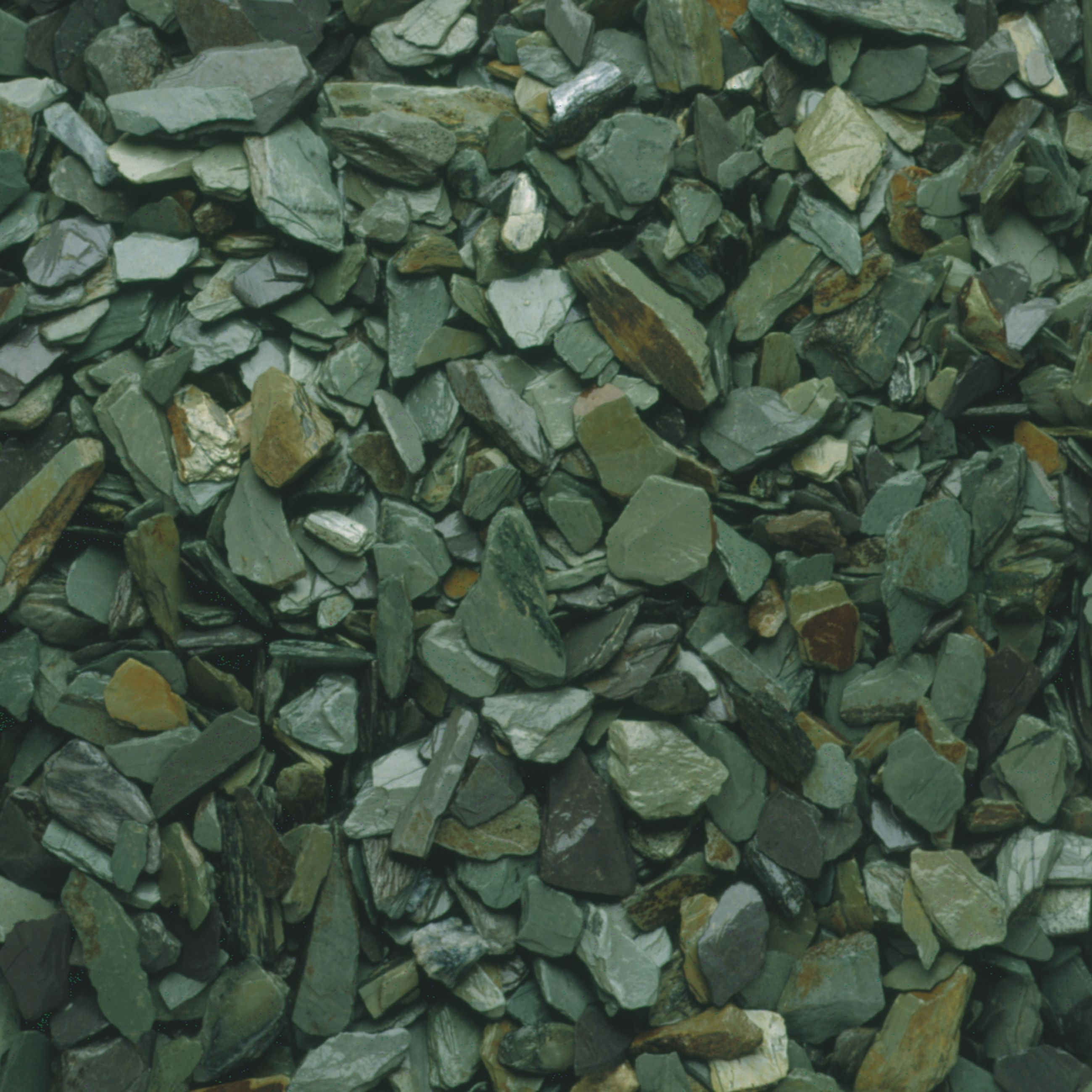 Blooma Green Decorative slate chippings | Departments | DIY at B&Q