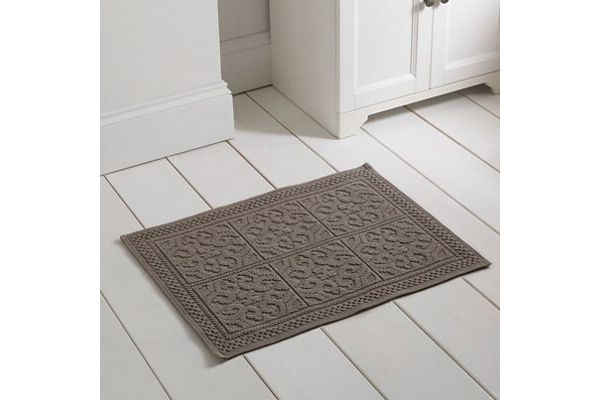 Bath Mats & Towels
