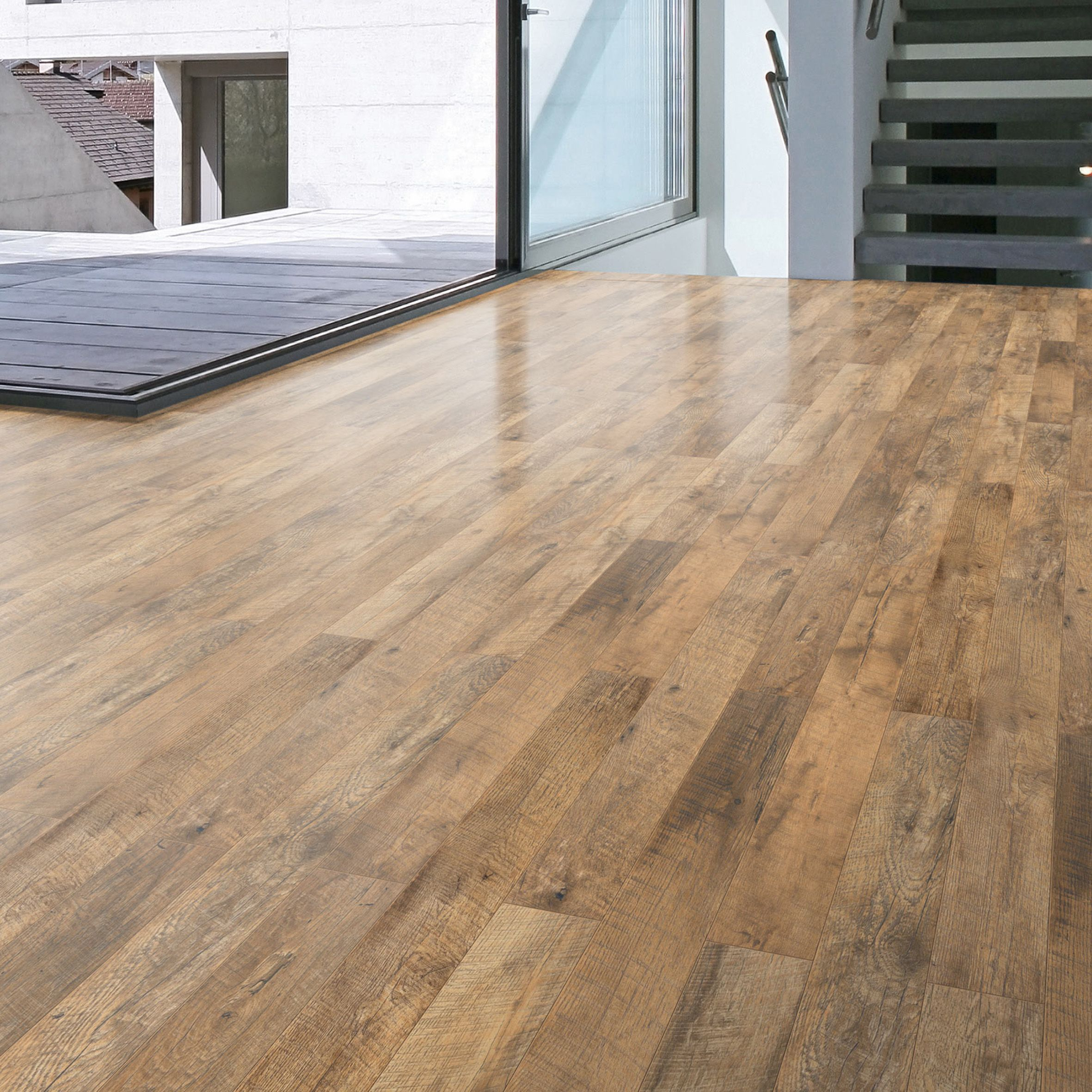 guarcino reclaimed oak effect laminate flooring m pack departments diy at b q. Black Bedroom Furniture Sets. Home Design Ideas