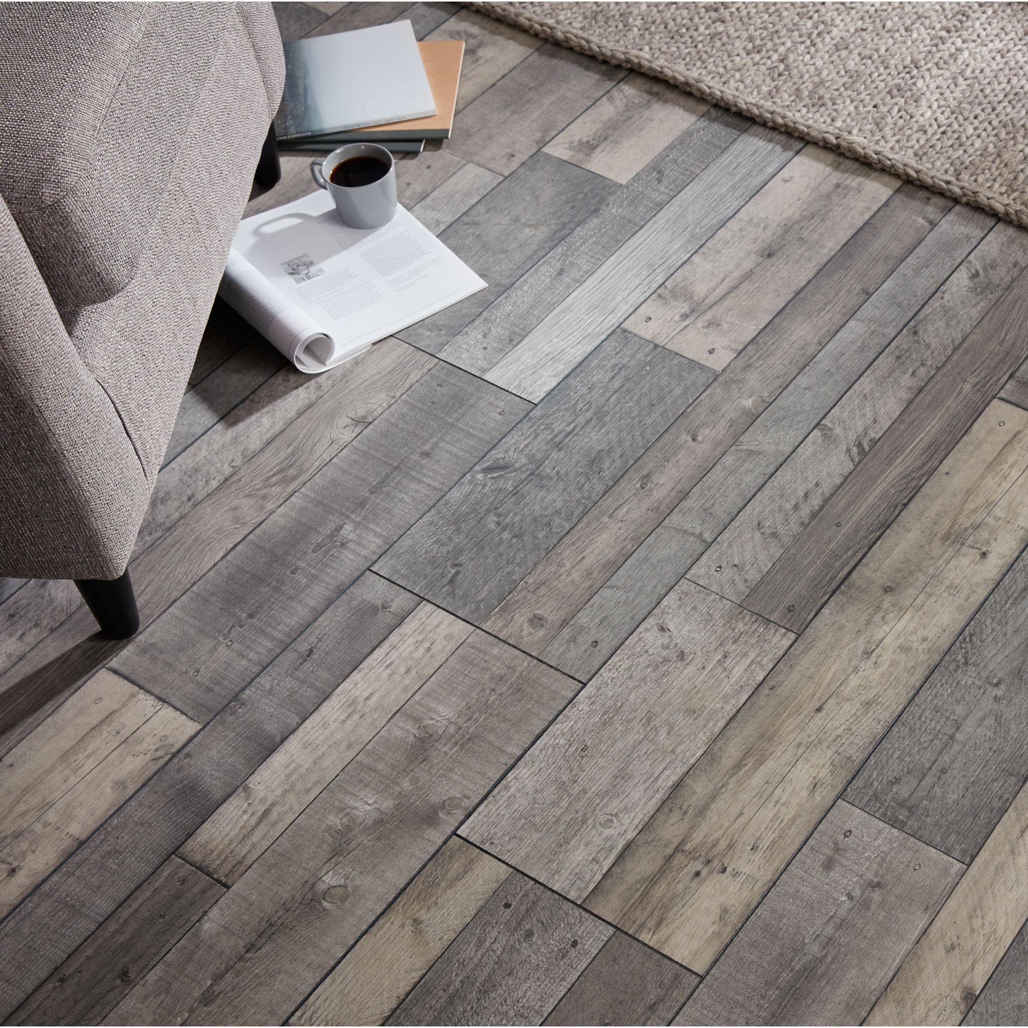 GoodHome Dunwich Grey Oak effect Laminate flooring, 2.18m² ...