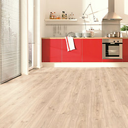 Engill Medium oak effect Laminate flooring 1.985 m²