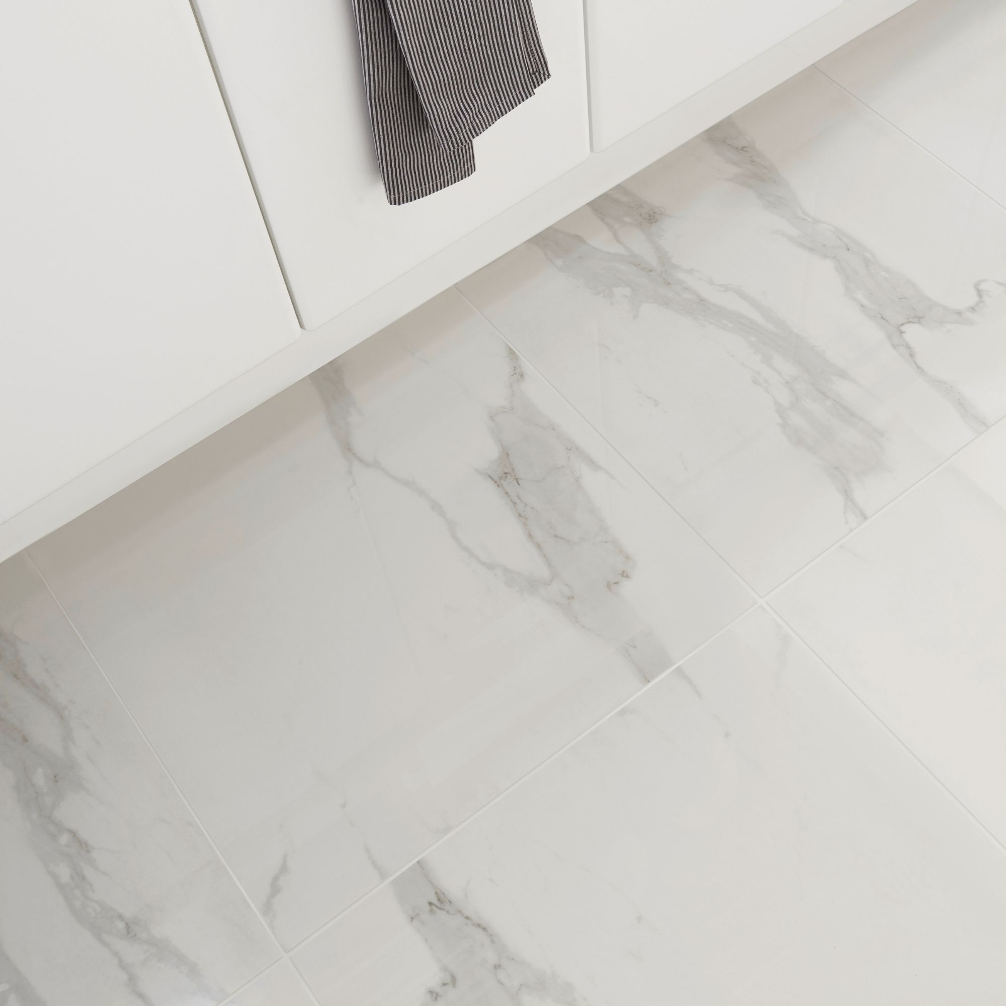 Ultimate White Marble Effect Porcelain Floor Tile Pack Of 3 L 595mm W 595mm Departments Diy At B Q