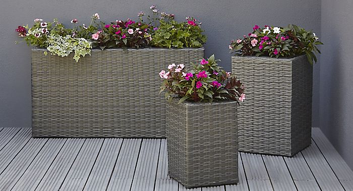 Sulana rattan-effect grey planters