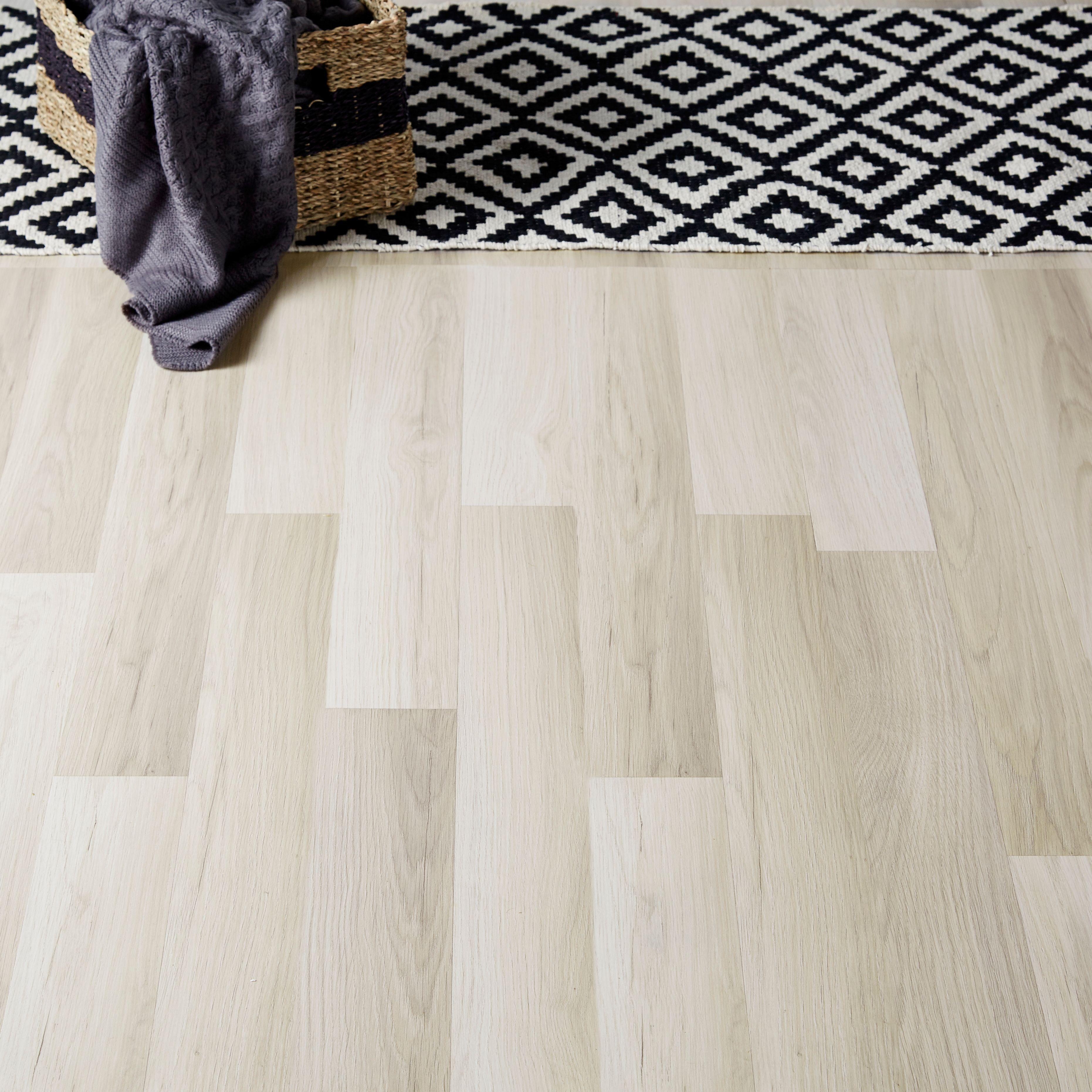 Townsville Grey Oak effect Laminate flooring sample