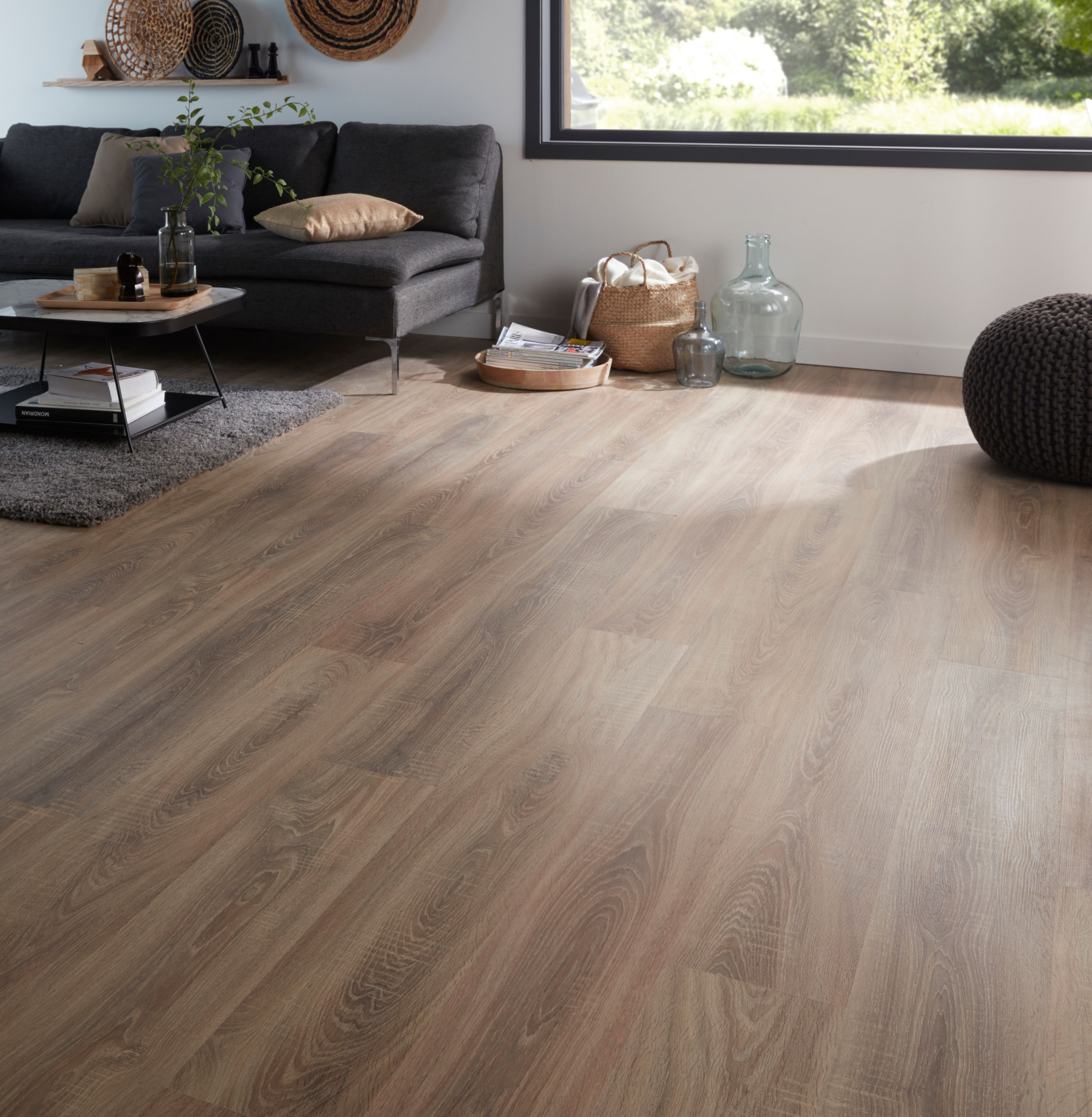 Albury natural oak effect laminate flooring sample for B q laminate flooring