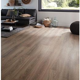 Albury Natural Oak effect Laminate flooring sample