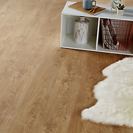 Mandurah Natural Oak effect Laminate flooring sample