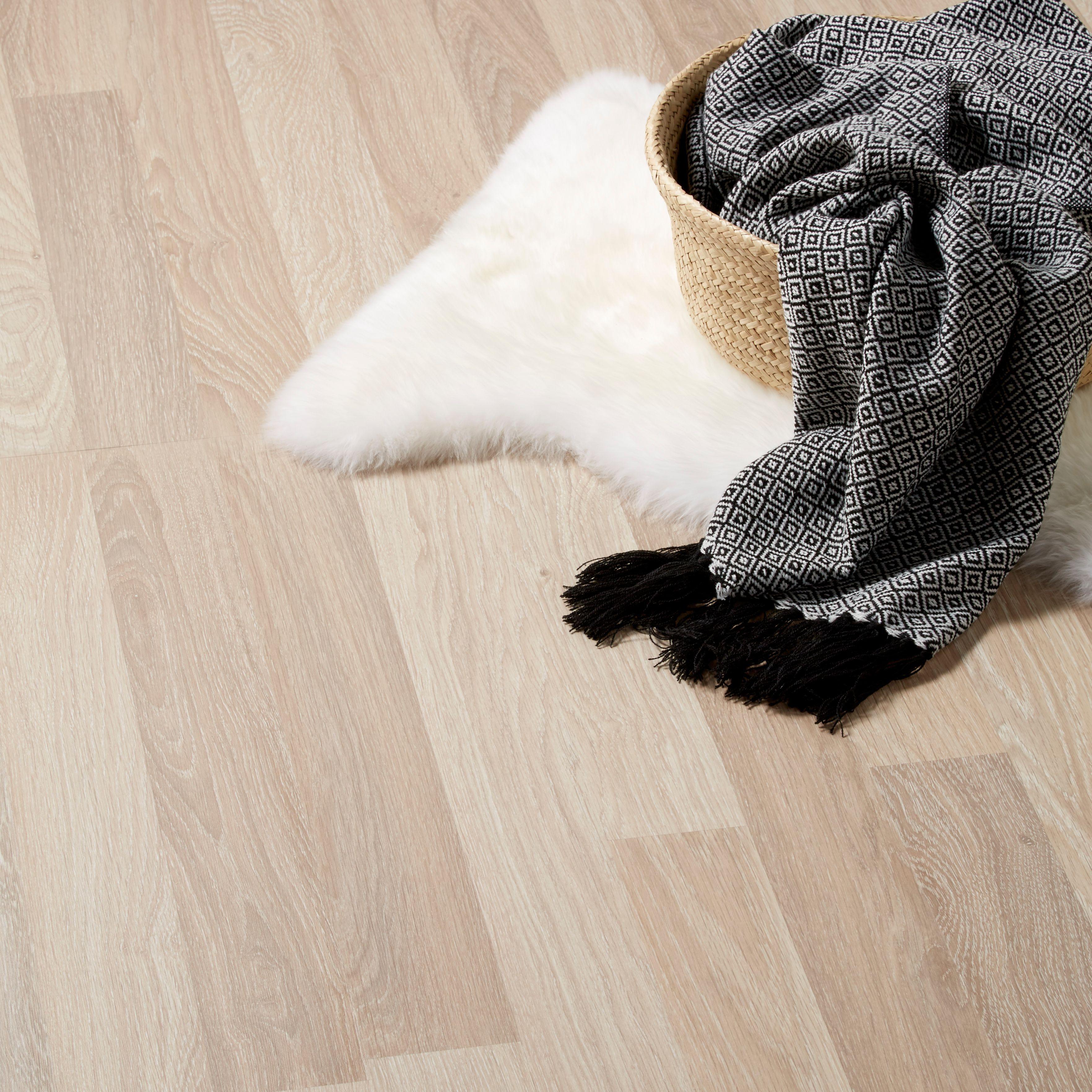 Broome Natural Oak effect Laminate flooring sample 1.996