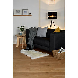 Gladstone Natural Oak effect Laminate flooring sample 1.996