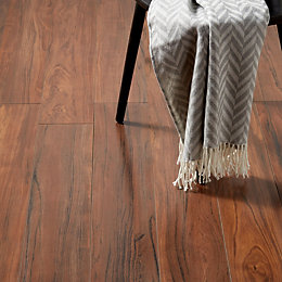 Bannerton Natural Oak effect Laminate flooring sample 2.058