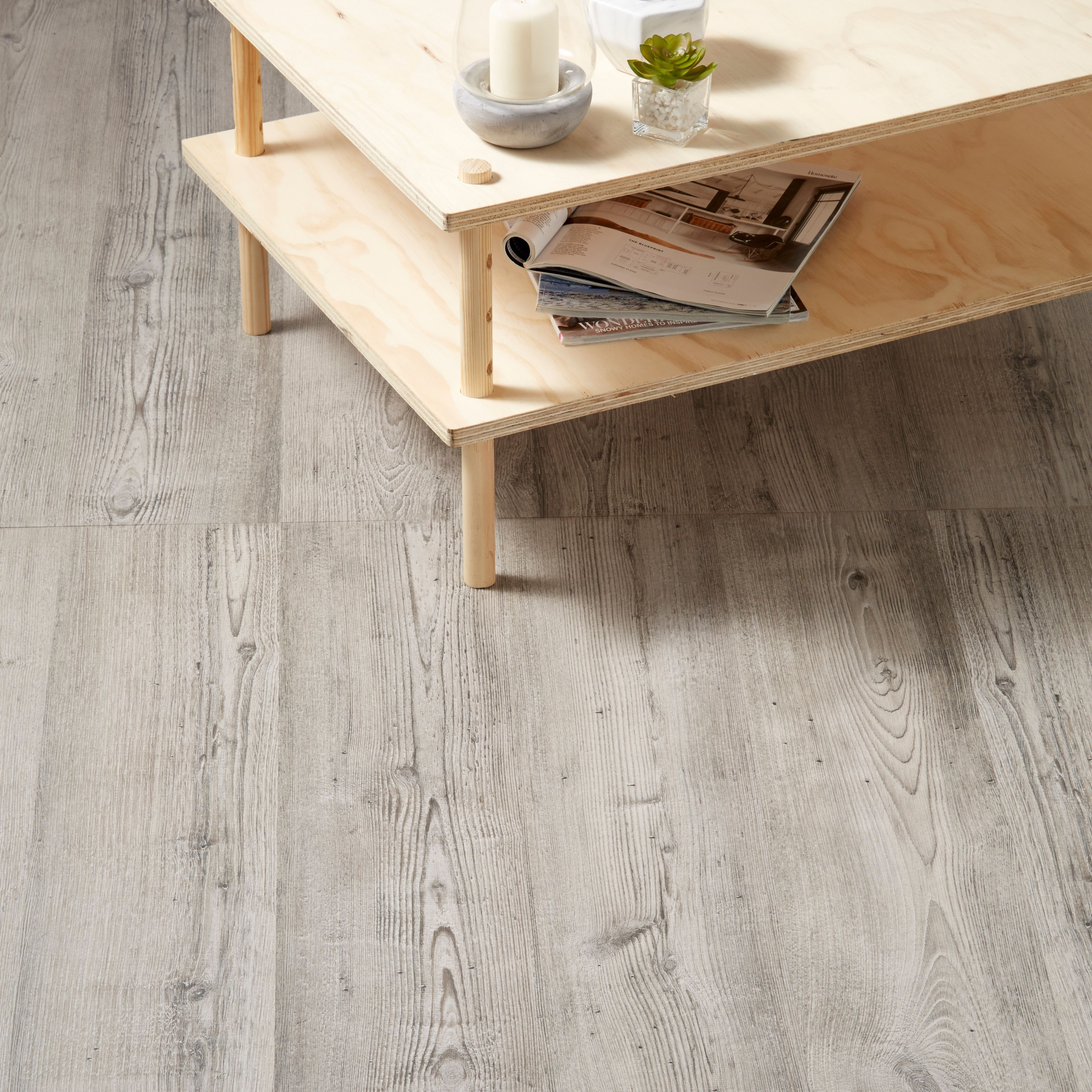B Q Wood Floor: Bailieston Grey Oak Effect Laminate Flooring Sample 1.996