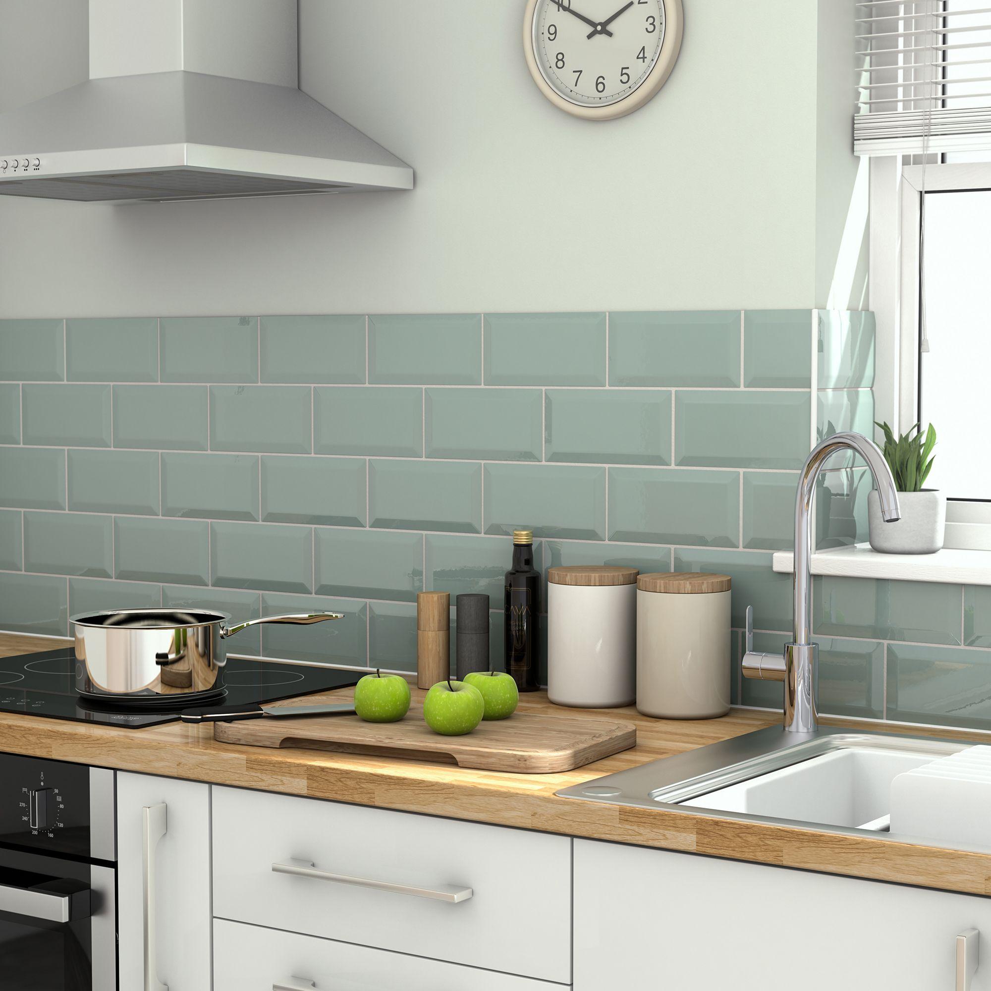 Tie Green Gloss Ceramic Wall Tile
