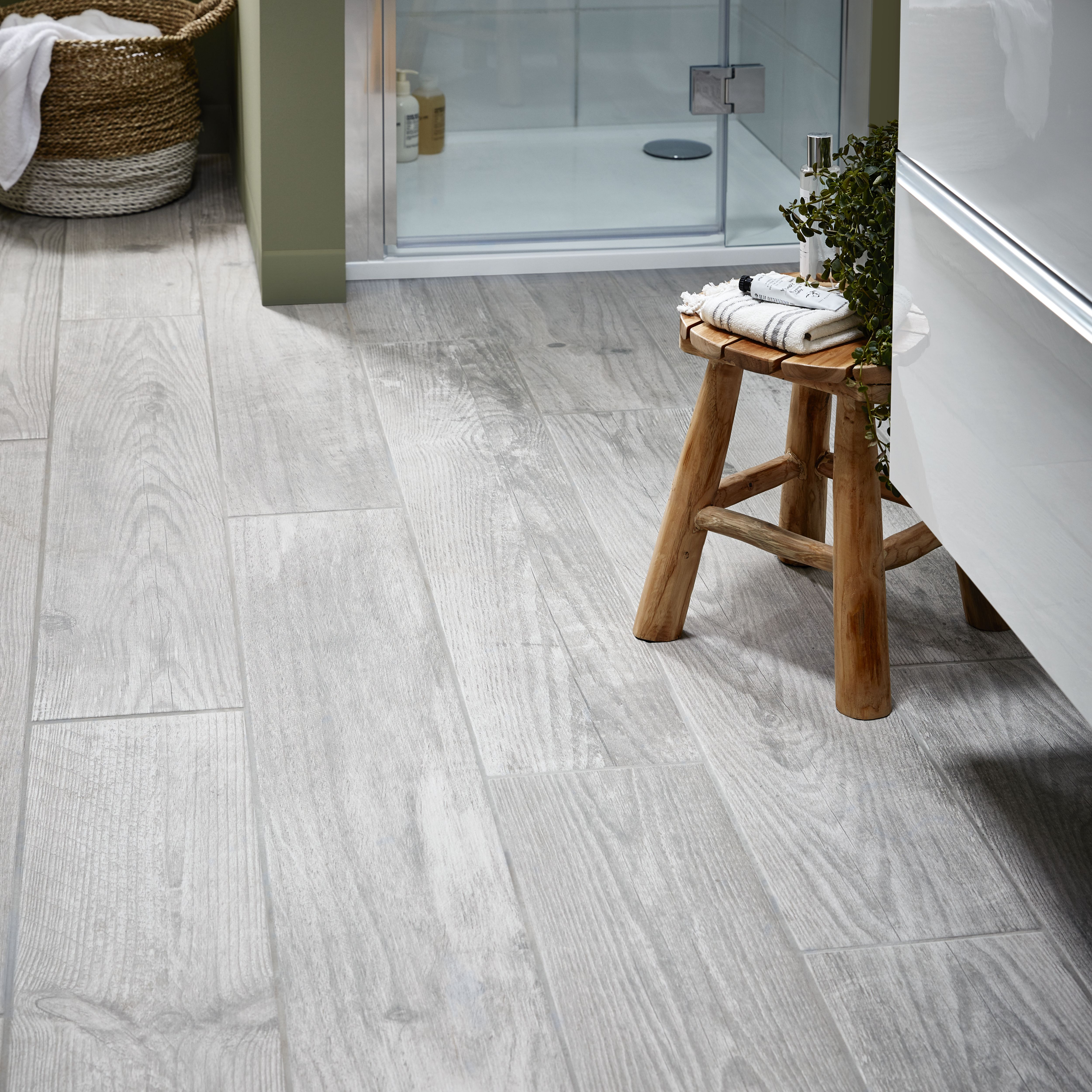 Wood Effect Porcelain Floor Tiles >> Cotage Wood Grey Matt Wood Effect Porcelain Floor Tile Pack Of 4 L 1200mm W 200mm Departments Diy At B Q