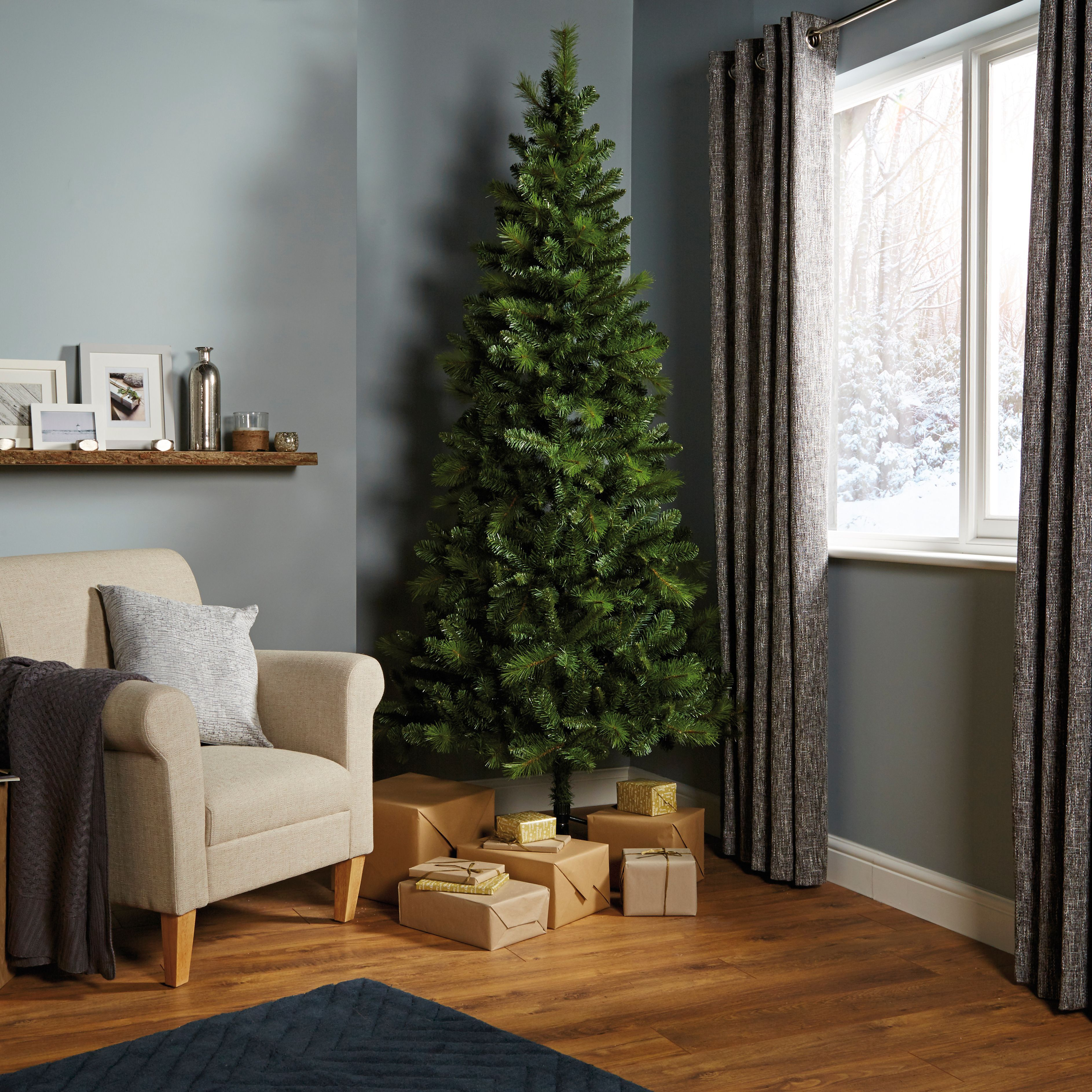 & 7ft 6In Eiger Classic Christmas Tree | Departments | DIY at Bu0026Q
