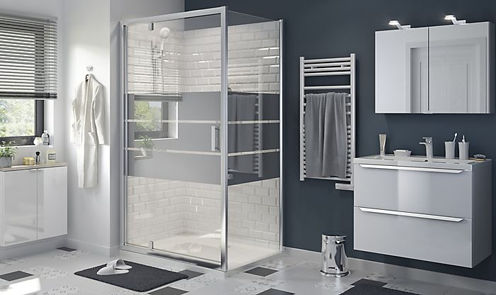Image of bathroom with Beloya square shower enclosure