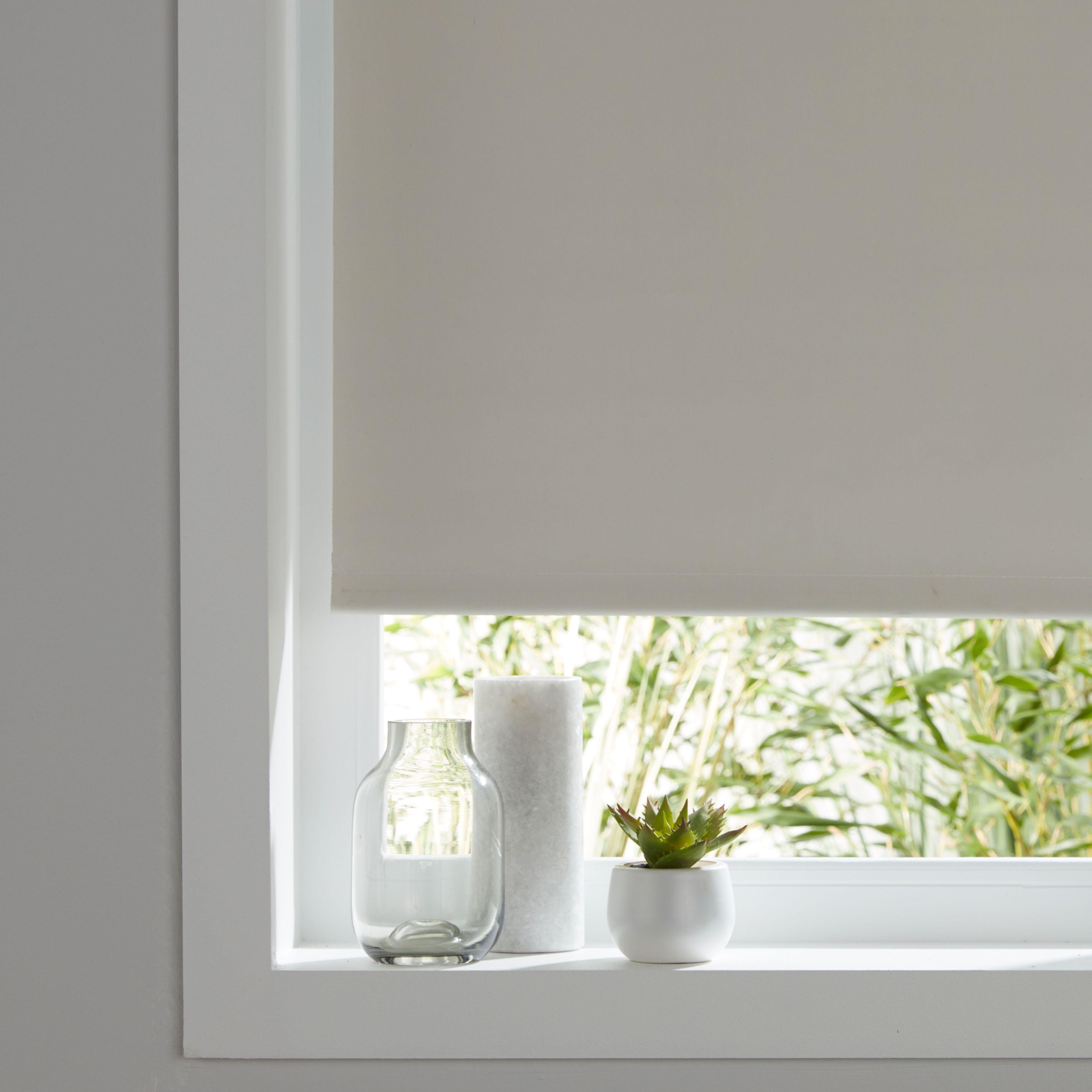 colours pama corded white roller blind l 195 cm w 160 cm. Black Bedroom Furniture Sets. Home Design Ideas