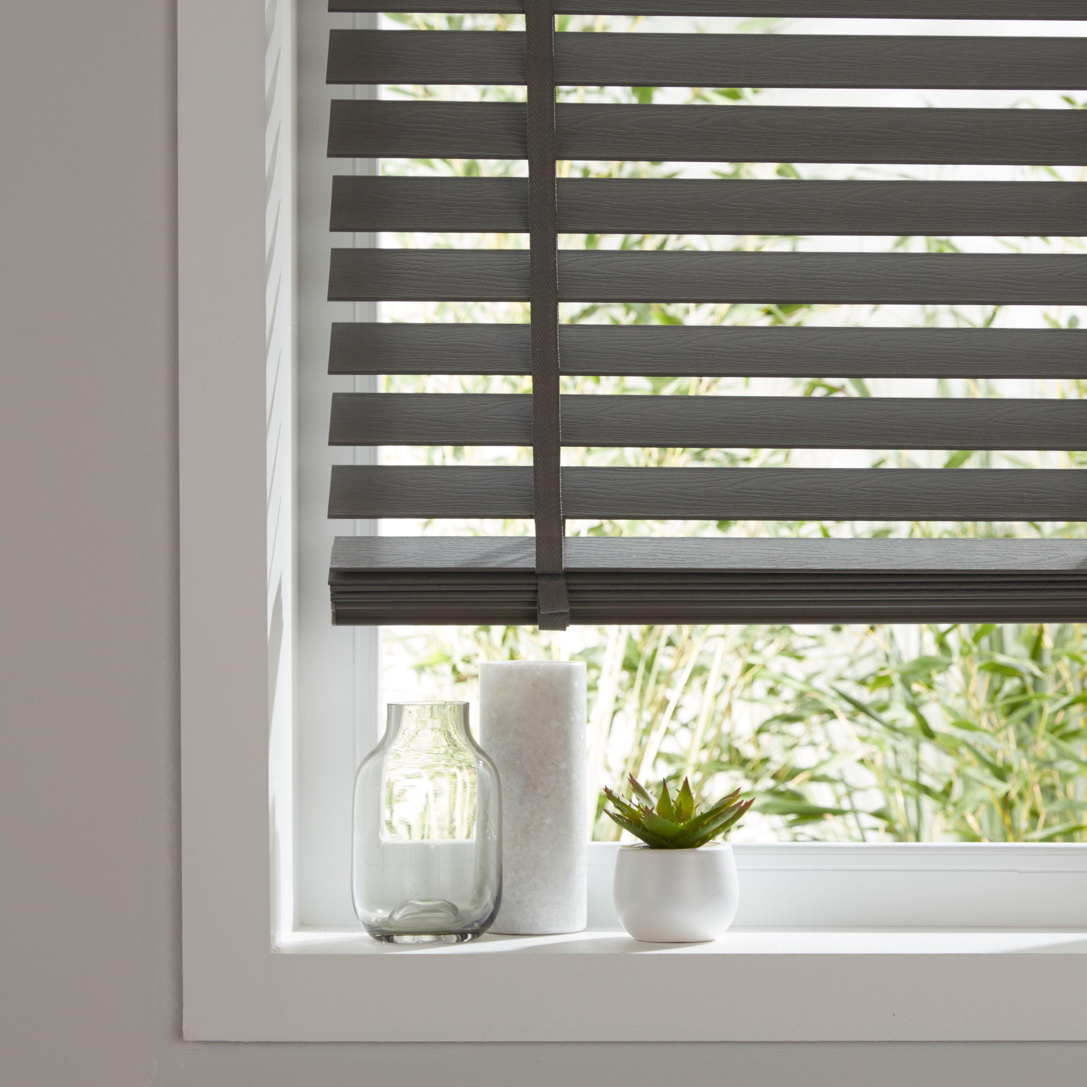Colours Lone Grey Venetian Blind W 160 Cm L 180 Cm