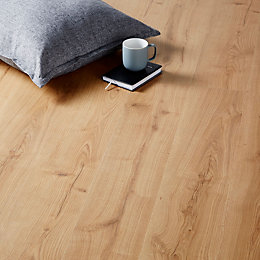Mackay Natural Oak Effect Laminate Flooring 2.467 m²