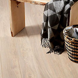 Gawler Natural Ash Effect Laminate Flooring 2.058 m²