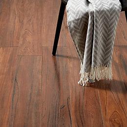 Bannerton Dark Mahogany Effect Laminate Flooring 2.058 m²