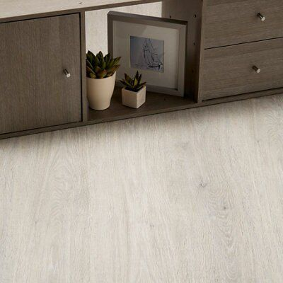 Lucknow Grey Oak Effect Laminate Flooring 1996 M2 Pack