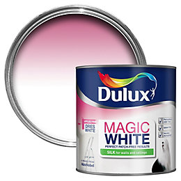 Dulux Magic Pure brilliant white Silk Emulsion paint