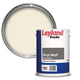 Leyland Trade Antique white Matt Emulsion paint 5L