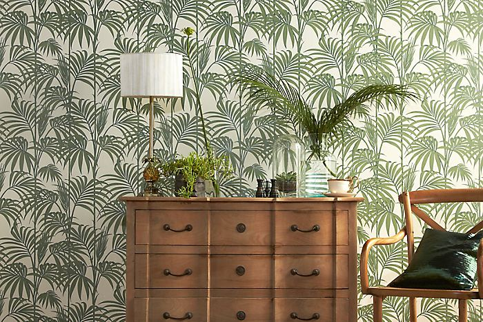 Grahan & Brown Julien Macdonald Honolulu palm effect wallpaper