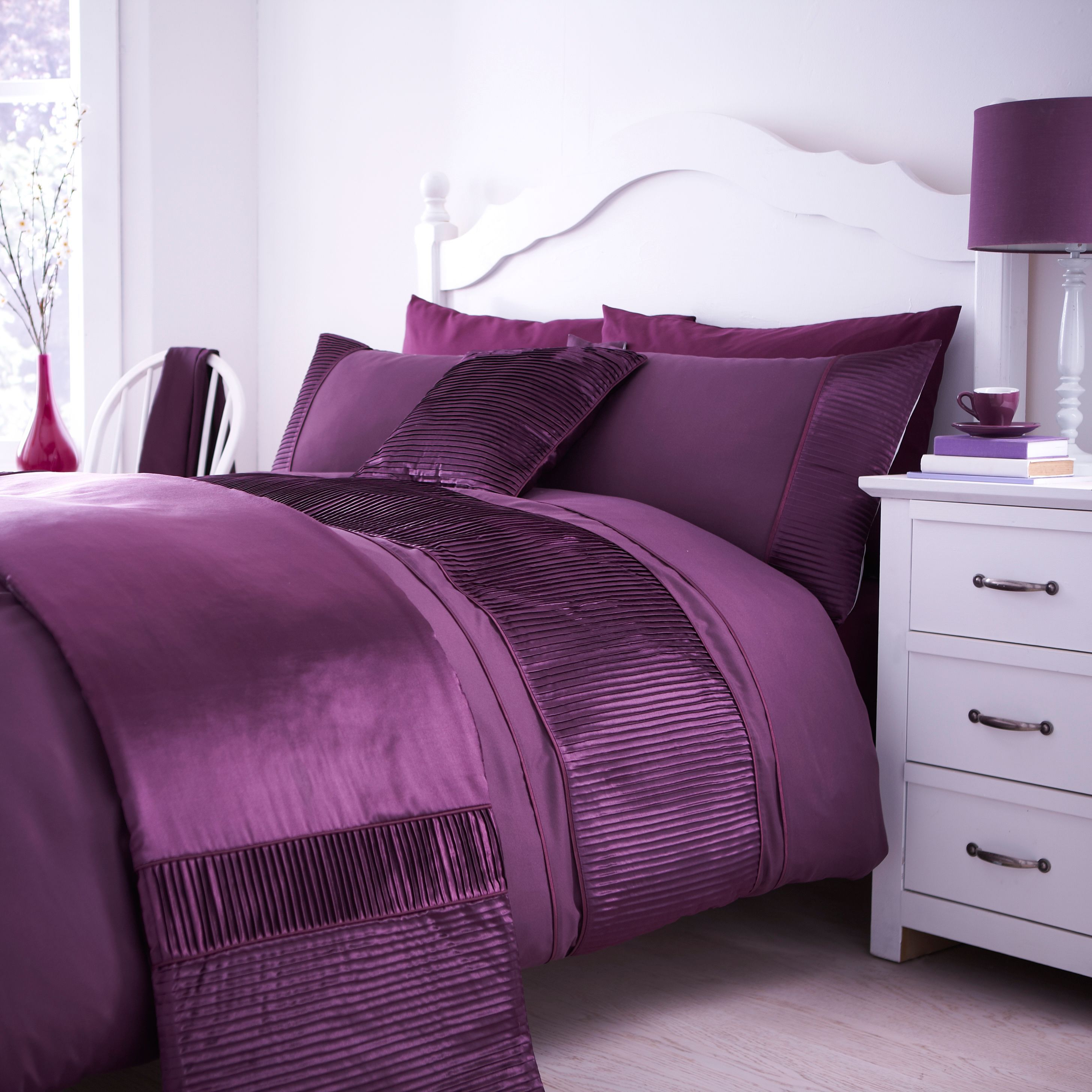 Chartwell Como Plum King Size Bed Cover Set