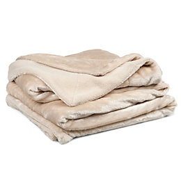 Chartwell Luxury Cream Plain Velvet Throw
