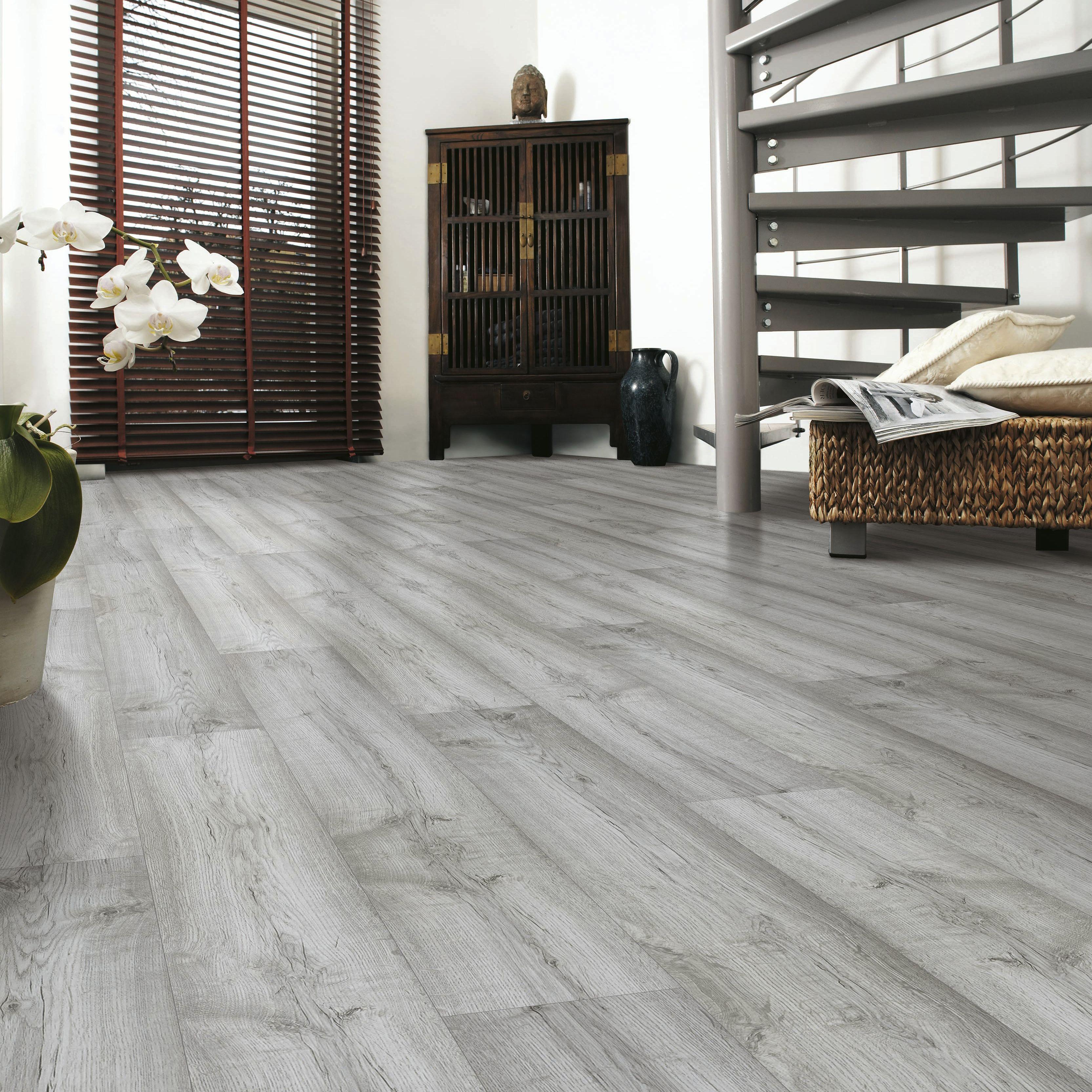 Eurohome Dartmoor Oak Effect Laminate Flooring 1 48m 178