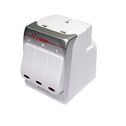 Masterplug White 3-Gang 240V 13A Adaptor