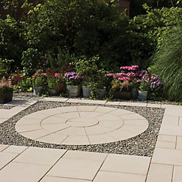 Buff Textured Circle paving pack 2.4m
