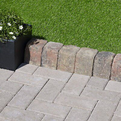 Block Kerb Brindle, (L)100mm (H)200mm (T)125mm Pack of