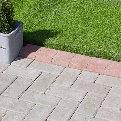 Block Kerb Red, (L)100mm (H)150mm (T)125mm Pack of