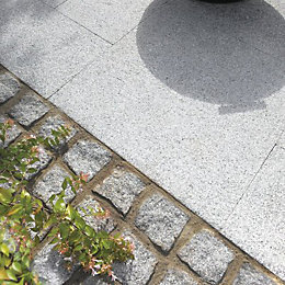 Silver Grey Natural Granite Paving Setts (L)100mm (W)100mm,